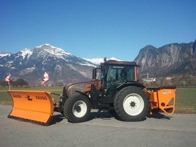 valtra a 93 traktor 2011 traktor 4 radantrieb. Black Bedroom Furniture Sets. Home Design Ideas