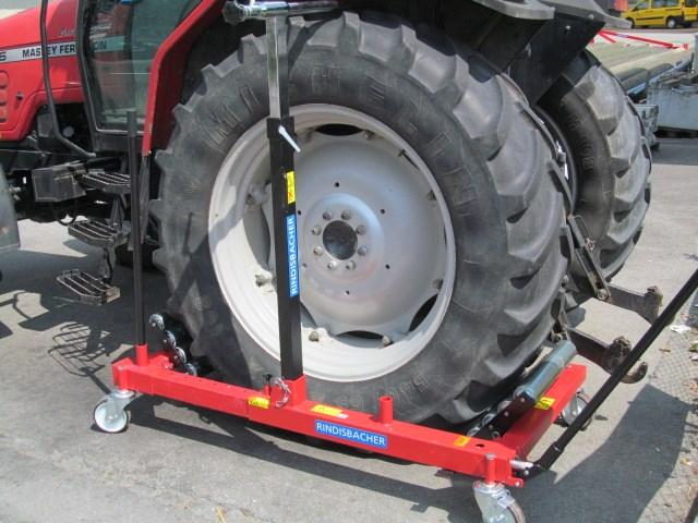 Radwechselwagen Wechseln Sie Ihre Rader Ohne Gefahr Und Akrobatie