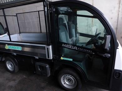 mega e worker 8 6 kw lange version aesch kommunalfahrzeuge transporter. Black Bedroom Furniture Sets. Home Design Ideas