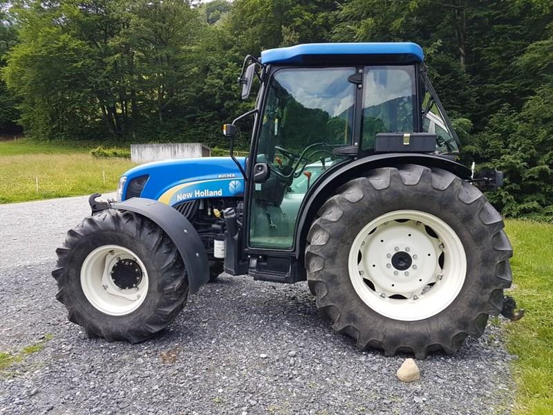 traktor new holland tn95 da agropool. Black Bedroom Furniture Sets. Home Design Ideas