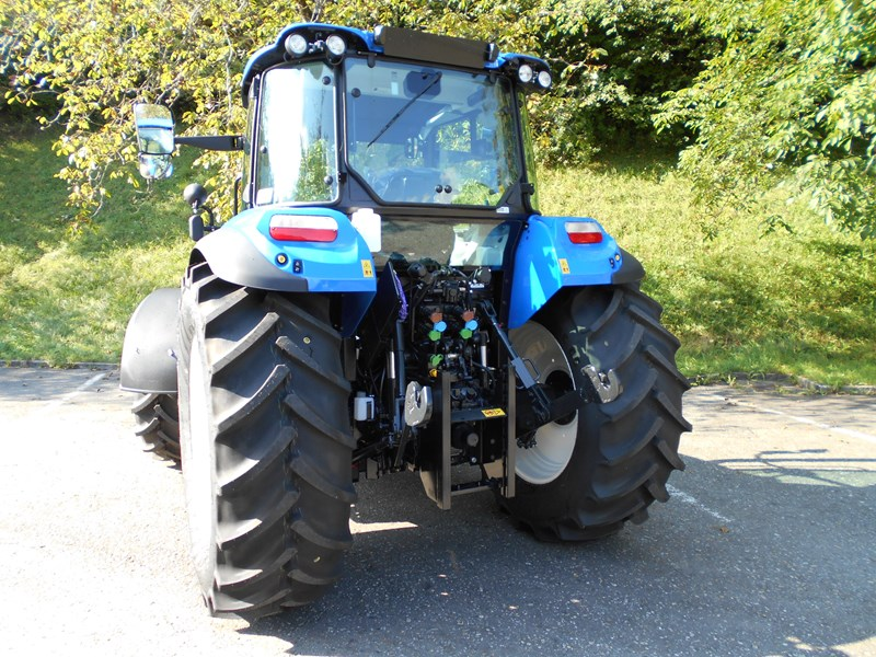 Traktor New Holland | Traktor 4-Rad-Antrieb | Agropool